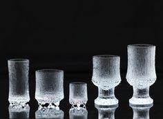 Ultima Thule by Tapio Wirkkala Icon Design, Design Art, Glass Design, Finland, Vintage Designs, Dinnerware, Shot Glass, Scandinavian, Candle Holders