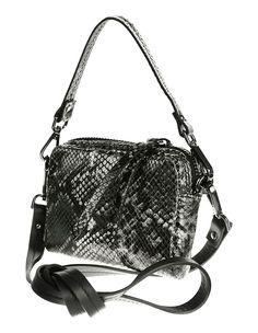 64b0a68032acb Mini-sac. Confectionné main en Italie. Un sac à bandoulière tendance en cuir