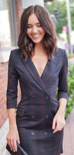 Transitioning to fall the tuxedo dress Totalement Meghan Markle robe blazer smoking inspirée! Meghan Markle, Holiday Outfits, Fall Outfits, Work Outfits, Wavy Bob Long, Oscar Dresses, Tuxedo Dress, Business Casual Outfits, Blazer Dress