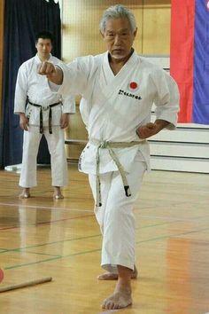 Sensei tanaka *Karate do jka Best Martial Arts, Martial Arts Workout, Martial Arts Training, Mixed Martial Arts, Self Defense Moves, Self Defense Techniques, Kung Fu, Jka Karate, Karate Shotokan