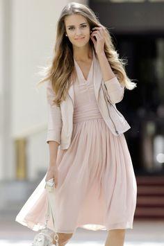 Clara Alonso - pretty dress
