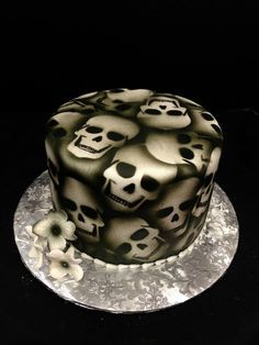 Airbrushed Skull Cake
