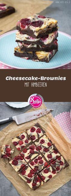 Schokoladige Brownies mit frischer Käsecreme und fruchtigen Himbeeren.