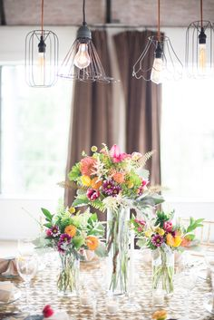 Lovely light fixtures & blooms - Florals by Pearls & Poppies - Cottonwood Road Photography http://www.theperfectpalette.com/2014/07/styled-shoot-glittery-gold-pretty-pops.html