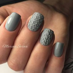 Winter is the time when ladies decorate their nails with various winter nail designs. In the post, you`ll find everything you need to have a fashionable winter manicure. Nagellack Trends, Fall Nail Art Designs, Nail Designs For Winter, Grey Nail Designs, Different Nail Designs, Sweater Nails, Grey Sweater, Manicure E Pedicure, Manicure Ideas