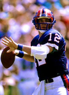 One of my childhood heroes, and an amazingly talented quarterback. But Football, Buffalo Bills Football, Football Players, Football Pictures, Sports Pictures, Nfl Hall Of Fame, Jim Kelly, Nfl History, Football Conference