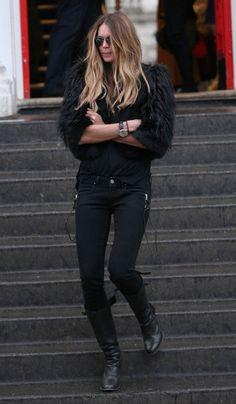 mary-kate olsen. all black.❤