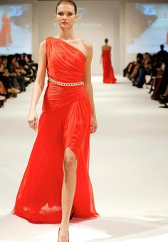Nice RED : Tatyana Aceeva Muscat Fashion week 2013