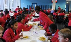 Council faces Muslim boycott of school meals in halal row #DailyMail