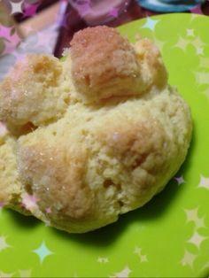 「HMで簡単さっくりメロンパン」材料は4つ!!すっごく簡単にメロンパンを作っちゃえます!外はさっくり中はふんわり!ほんのり甘くてたまらない♪♪およそ4個分【楽天レシピ】