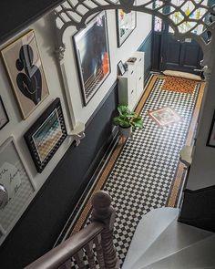 Entry Hallway Floor Hallway Tile Ideas Hall With Narrow Hallway Tiled Floor Narrow Hallway Home Entryway Decor Design Room, Flur Design, House Design, Tiled Hallway, Hallway Flooring, Hallway Walls, Entry Hallway, Edwardian Hallway, Edwardian Haus