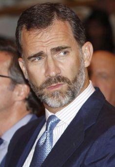 King Felipe VI of Spain, Handsome Gray Haired Silver Fox. Moustaches, Silver Foxes Men, Spanish Men, Beard Lover, Bear Men, Mature Men, Older Men, Male Face, Grey Hair