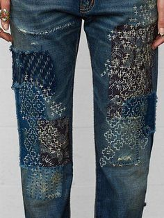 Teru Boyfriend Jean - Straight-Leg Denim - Ralph Lauren UK - but sashiko on… Sashiko Embroidery, Japanese Embroidery, Embroidery Stitches, Embroidery Patterns, Hand Embroidery, Embroidery Fashion, Embroidery On Denim, Eyebrow Embroidery, Embroidery Books