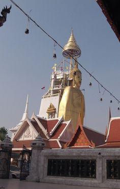 Big Buddha statue in Bangkok, would love to see that awe-striking view again sometime..