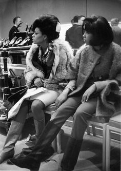 January 1st, 1980: Diana Ross and Mary WIlson (The Supremes)  buying shoes, Photo by Michael Ochs Archives/Getty Images. °