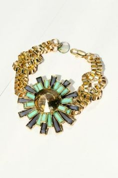 Rhinestone Embedded Floral Bracelet