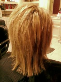 Heavy blonde highlights and razor cut shag on fine, straight, medium density hair. The highlights and razor cut give Sissy's hair extra volume. Medium Shag Hairstyles, Hairstyles Haircuts, Straight Hairstyles, Medium Haircuts, Layered Haircuts, Razor Cut Hairstyles, Stacked Hairstyles, Shaggy Haircuts, Ladies Hairstyles