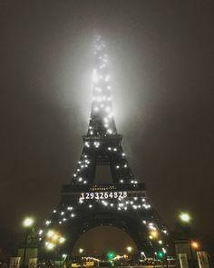White Eiffel tower spactacular! #france #paris #parisien  #effieltower #toureiffel  #whiteeiffeltower #Daily #photo #view  #eurotrip #eurupe #eurupeon  #프랑스 #파리 #화이트에펠탑 #에펠탑  #최고 #야경 #안개 #새벽1시 #포토  #일상 #유럽여행 #뷰 #뷰스타그램 by parkgwangjae