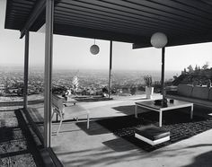 Case Study House No. 22, Los Angeles, CA. 1960,  Architect: Pierre Koenig. - Julius Shulman