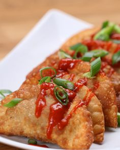 Featuring Spicy Beef And Pork Empanadas, Easy Fried Beef Dumplings (Gyoza), Beef And Cheese Empanada and Chicken Yucca Empanada Beef Dumplings, Dumpling Recipe, Gyoza Recipe Beef, Fried Dumplings Chinese, Stuffed Dumplings, Homemade Dumplings, Tasty Videos, Food Videos, Carne
