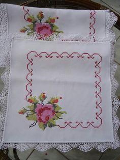 This Pin was discovered by Sab Crochet Bedspread, Crochet Tablecloth, Cross Stitch Designs, Cross Stitch Patterns, Cross Stitching, Cross Stitch Embroidery, Drawn Thread, Cross Stitch Rose, Yarn Shop
