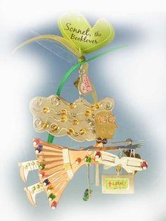 BOOK LOVER - Flights Au Naturel by Karen Rossi