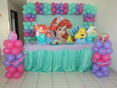Little mermaid table Disney Princess Birthday Party, Mermaid Theme Birthday, 5th Birthday Party Ideas, First Birthday Themes, Little Mermaid Birthday, Little Mermaid Parties, Birthday Party Decorations, Balloon Decorations, Maria Jose