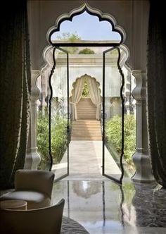 a princess hause, a princess door, a princess home design room design Moroccan Design, Moroccan Decor, Moroccan Style, Modern Moroccan, Indian Style, Beautiful Interior Design, Beautiful Interiors, Beautiful Homes, Simply Beautiful