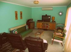 Very cool 1950's built holiday house in South Australia called the 'Aldinga Beach Retreat'.