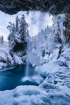 Nature Photography and Taking Beautiful Natural Photos Winter Szenen, Winter Magic, Winter Photography, Landscape Photography, Nature Photography, Beautiful Waterfalls, Beautiful Landscapes, Winter Pictures, Cool Pictures