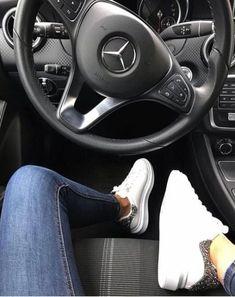 Trendy luxury cars for women mercedes benz girl style – Sport Cars Mercedes Benz Suv, Mercedes G Wagon, Mercedes Benz Classes, Carros Mercedes Benz, Black Mercedes Benz, Old Mercedes, Gwagon Mercedes, Mercedes Girl, Mercedes Sprinter