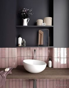 Australian bathroom trends: November 2018 edition - The Interiors Addict - - Australian bathroom trends: November 2018 edition – The Interiors Addict Lovely Bathroom Decor inspiration Grand Designs tiles Bathroom Trends, Bathroom Inspo, Bathroom Interior, Bathroom Inspiration, Bathroom Ideas, Bathroom Pink, Bathroom Shelves, Bathroom Renovations, Bathroom Colours