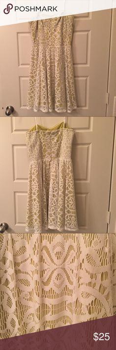 Guess Lace Strapless Dress. Sz 8 Guess Lace Strapless Dress. Sz 8 Guess Dresses Strapless