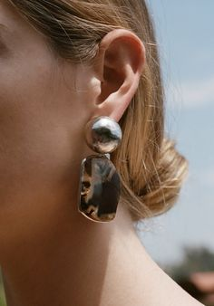 The designer debuts a new collection of her signature pieces, updated with diamonds and agates.