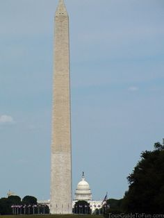 Washington Monument and Capitol Building in Washington D.C. - www.TourGuideToFun.com #washingtonmonument #uscapitol #capitolbuilding #washingtondc