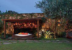 Compondo uma paisagem rústica com madeira | Jardim das Ideias STIHL - Dicas de jardinagem e paisagismo