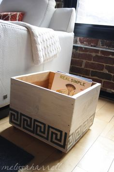 29 Ways to Decorate With Wooden Crates usefuldiyprojects.com decor ideas (26)