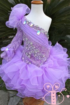 Beautiful Pageant glitz cupcake pageant dress toddler or girl Toddler Pageant Dresses, Beauty Pageant Dresses, Pagent Dresses, Little Girl Pageant Dresses, Pageant Wear, Girls Pageant Dresses, Toddler Dress, Bridesmaid Dresses, Pagent Hair