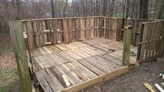 Building a Pallet Residence or Deck - 30+ Pallet Ideas - Creative ways to recycle Pallets - Page 2 of 5 - DIY & Crafts