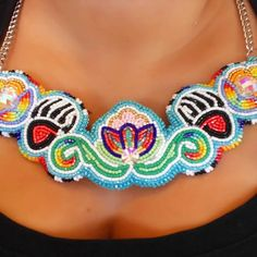 claw floral necklace❤ #ojibway #bearclan #odemin #design #beadwork