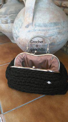 Crochet o ganchillo: Bolso de trapillo BLACK con boquilla en plata