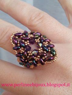 """Anello con perline """"superduo"""" e cristalli Swarovski  http://www.misshobby.com/it/negozi/perline-e-bijoux  www.perlineebijoux.blogspot.it"""