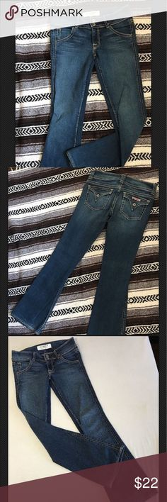 """HUDSON #170SD Boot Low DARK JEANS Sz 27, 31""""W 39""""L 5 Loops & Pockets.Zipper Fly.Signature/Boot Cut.Low Rise/Form Fitting.98%Cotton 2%Spandex (there is a bit of 'stretch' / 'give').Cut #A00190.Style #170SD.Vary color. Hems slight fray.W-15.5"""" flat,Inseam 31"""".Rise 8"""".Bottom W 8.25-8.5"""". Total 39.25""""L Hudson Jeans Jeans Boot Cut"""