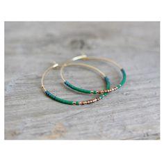 «Bonjour les amis, vous pouvez retrouver les bijoux et les pochettes sur le site madamezouzou.bigcartel.com #bijoux #bouclesdoreilles #accessoires…»