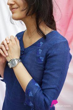 Simple Kurta Designs, New Kurti Designs, Kurta Designs Women, Designs For Dresses, Chudidhar Designs, Kurti Embroidery Design, Hand Embroidery, Velvet Dress Designs, Fancy Dress Design