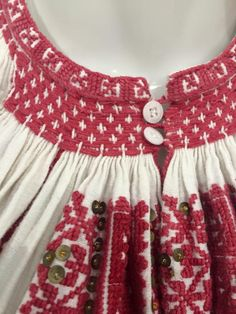 Romanian Blouse - ie. Hungarian Embroidery, Folk Embroidery, Learn Embroidery, Embroidery Patterns, Machine Embroidery, Folk Costume, Costumes, Folk Clothing, Passementerie