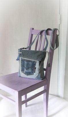 Recycled denim sling bag Unisex Patchwork shoulder bag Jeans messenger bag Crossbody denim bag Bag with a buckle Old jeans recycling