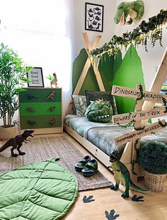 Boy Toddler Bedroom, Boys Bedroom Decor, Toddler Rooms, Baby Boy Rooms, Bedroom Themes, Toddler Boy Room Ideas, Little Boy Bedroom Ideas, Kids Bedroom Boys, Jungle Bedroom