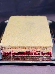 Prăjitura Cherry Dama cu vișine, reteta super simplă dar foarte gustoasa Butcher Block Cutting Board, Gluten, Recipes, Food, Essen, Meals, Ripped Recipes, Yemek, Eten