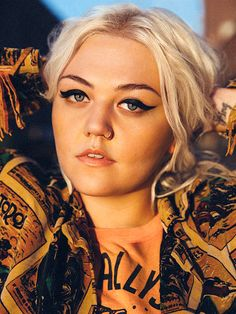 All top songs and albums by Elle King for free: American musician, born in 1989 in Los Angeles, California, USA. Daughter of Rob Schneider. Elle King, Music Love, Music Is Life, My Music, Moda Pin Up, Rockabilly, The Wombats, Female Singers, Debut Album
